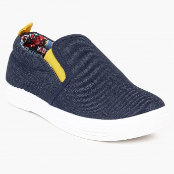 MAX Canvas Slip-Ons