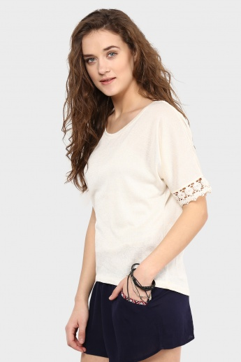 MAX Solid Laced Sleeves Top